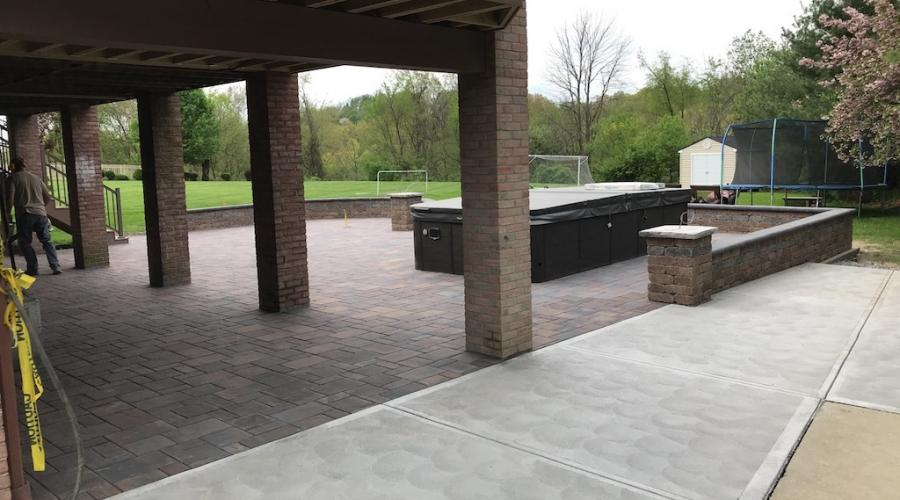 Patio pavers with block wall 3